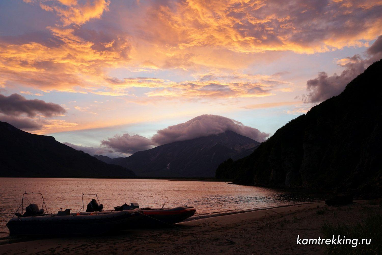 Туры на Камчатке, закат в бухте Вилючинской