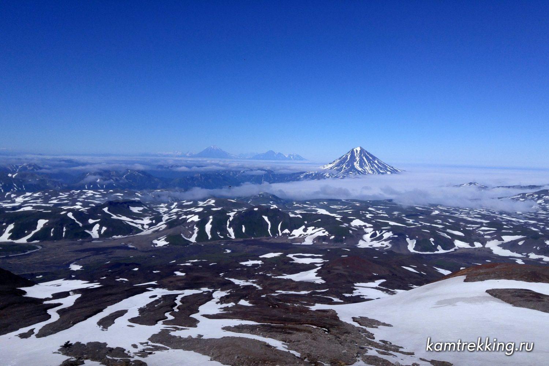 Туры на Камчатку, вид с вулкана Горелый