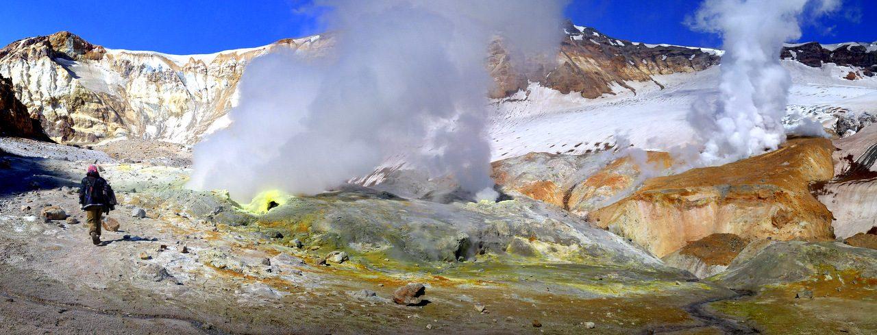 Туры на Камчатку, кратер Мутновского
