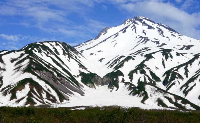 Экскурсии на Камчатке, Вилючинский вулкан и водопад